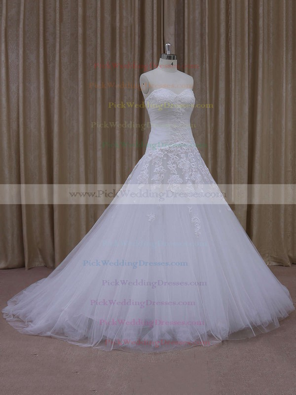 Ivory Tulle Court Train Appliques Lace Sweetheart Fashion Wedding Dresses #PWD00021844