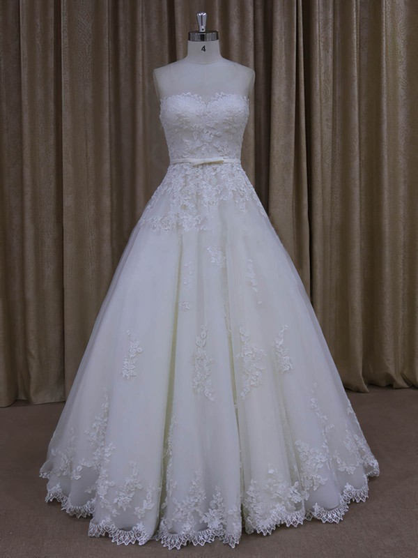 Fashion Floor-length Tulle Appliques Lace Sweetheart Ivory Wedding Dresses #PWD00022045