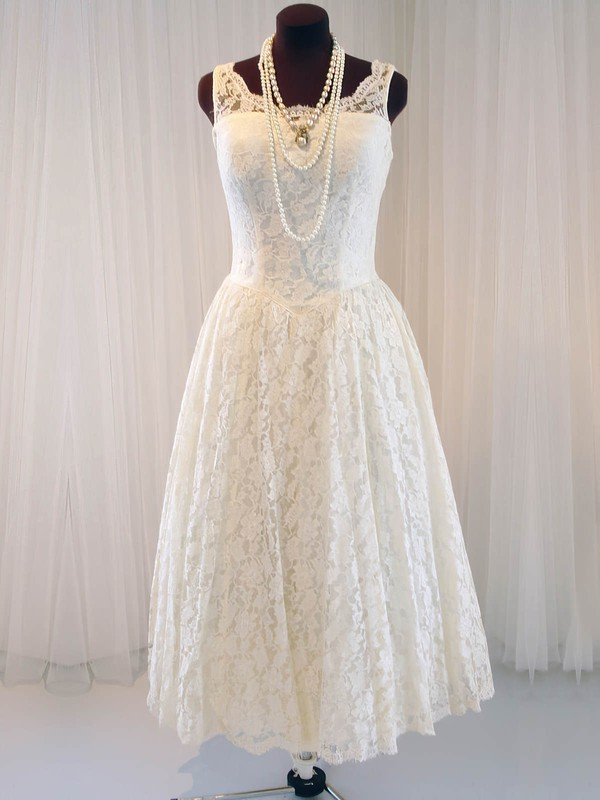 Scoop Neck Tea-length Buttons Classic Ivory Lace Wedding Dresses